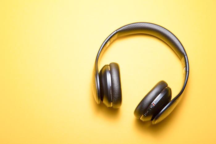 practicing mindful meditation with meditation sounds